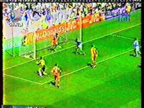 https://twitter.com/futbolkonusalim Euro 2000 B Grubu ilk maçında Türkiye İtalya ile kar�ı kar�ıya geliyor. 52. dakikada Antonio Conte'nin nefis golüyle öne ...