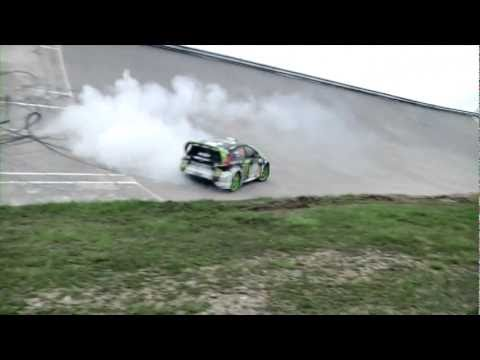 Ken Block on Ford Fiesta Gymkhana - HQ