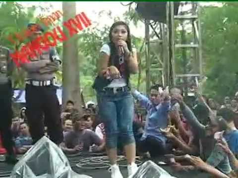 download lagu Ratna Antika ~ ADA GAJAH DI BALIK BATU M gratis