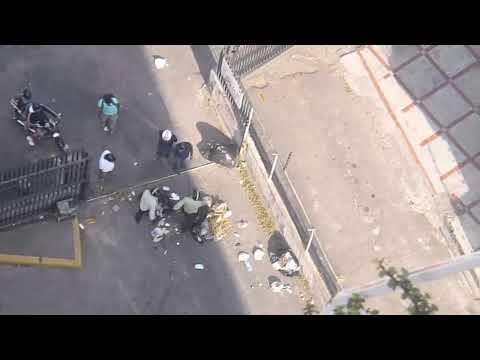 Enfrentamiento Motorizados Oficialistas y Opositores California Norte. 19F (4/4)