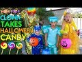 WHO TAKES OUR HALLOWEEN CANDY?! -- Family Fun Pack Skit -