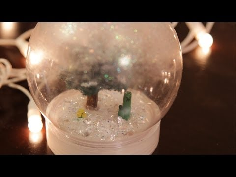 Minecraft Waterless Snow Globe - DIY GEEKY GOODIES