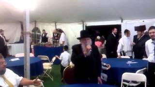 Rabbi Fishbain sings Rav Meir Shapiro's niggun