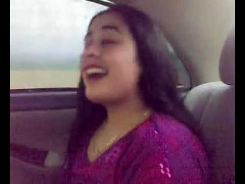 Pokhton  Sister  dance in car with her boy friend