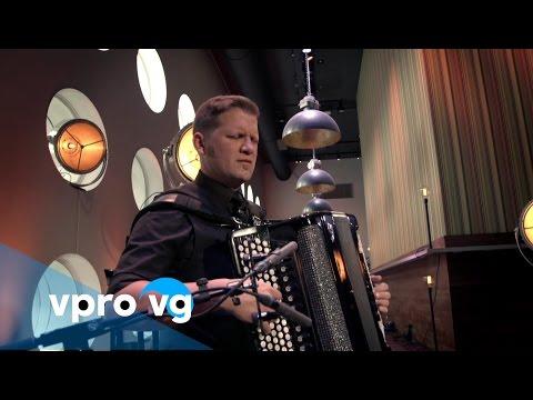 Mario Batkovic - Quatere (live @TivoliVredenburg Utrecht)