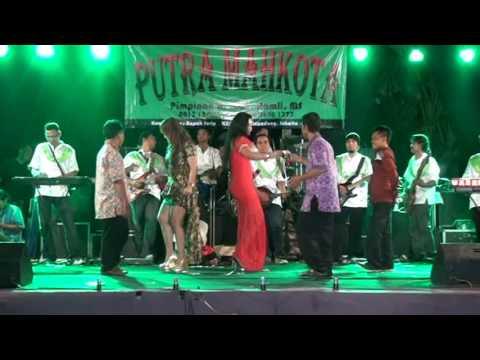 Download  PUTRA MAHKOTA JAKARTA - ANAK YANG MALANG - RATU Y & CICI L Gratis, download lagu terbaru