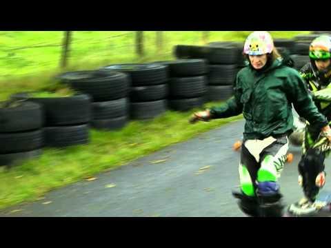 'How not to race a heat' of 2011. Longboarding