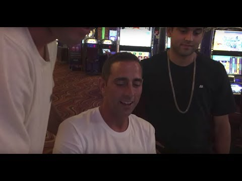 Signing in Vegas with Kenny, Guy, P-Rod and Villager