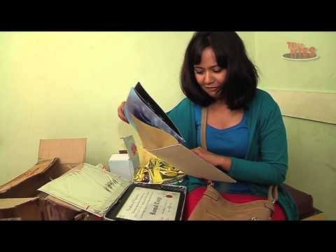 Roopal Tyagi Receives Gifts from Fans on her Birthday - Part...