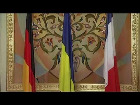 Hollande and Merkel in Kyiv for Fresh Ukraine Peace Push: French and German leaders to visit Moscow