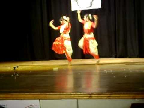 Rabindra Sangeet Dance In Dubai, Alokere Jhorna Dhara video