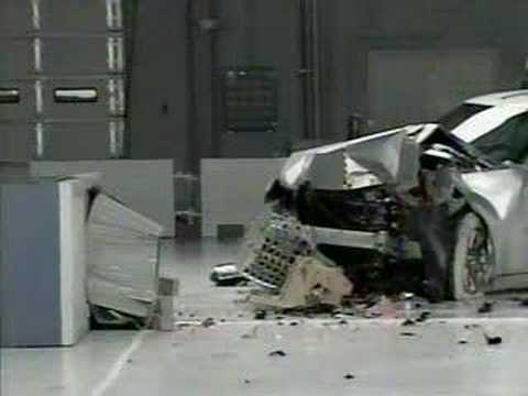 Crash Test 2005 - 2009 Chrysler 300 / 2006 - 2009 Dodge Charger (Fronta Offset Test) IIHS Video