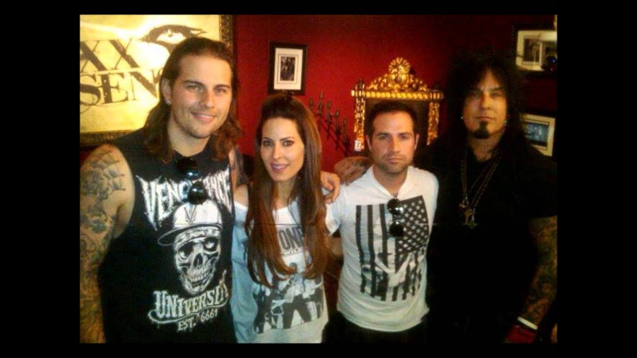 nikki sixx interviews m shadows and johnny christ