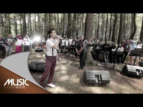 D'Masiv ft Ariel Noah dan Momo Geisha - Esokkan Bahagia - Music Everywhere