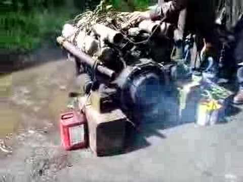 Perkins V8 diesel engine running. Video