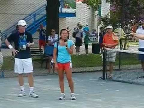 We all know Vania King can sing. We now know Mark Knowles can't.