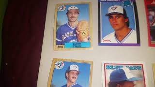 LOT 1 150 Toronto Blue Jays baseball cards from 1988 up to 1992(1 of 22 lots)