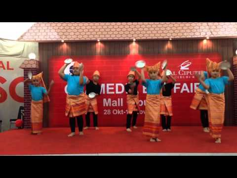 Trial Tari Piring Sekolah Global Mandiri  Mall Ciputra video