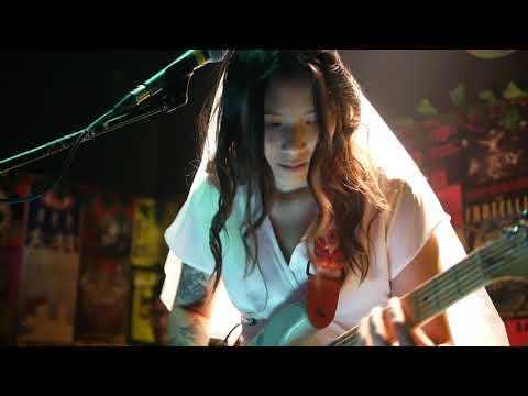 Download Danilla - Ring live at Fingers EP Launching, Duck Down Bar Mp4 baru
