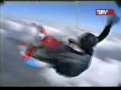 asombroso e Impresionante accidente de paracaidistas