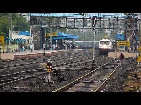 Crazy Wap-7 Honking Madly As It Accelerates With Ap Express! video