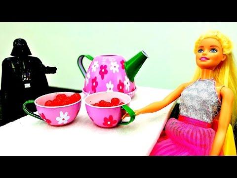 Штурмовики STAR WARS и Барби в космосе. Игры в куклы