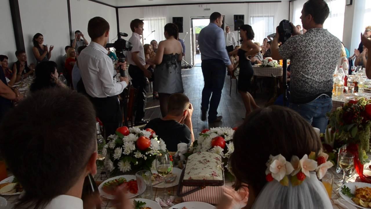 Готовый сценарий на свадьбу с конкурсами
