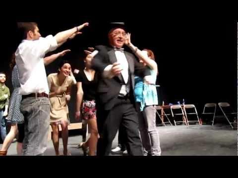 Frank Farina performs!