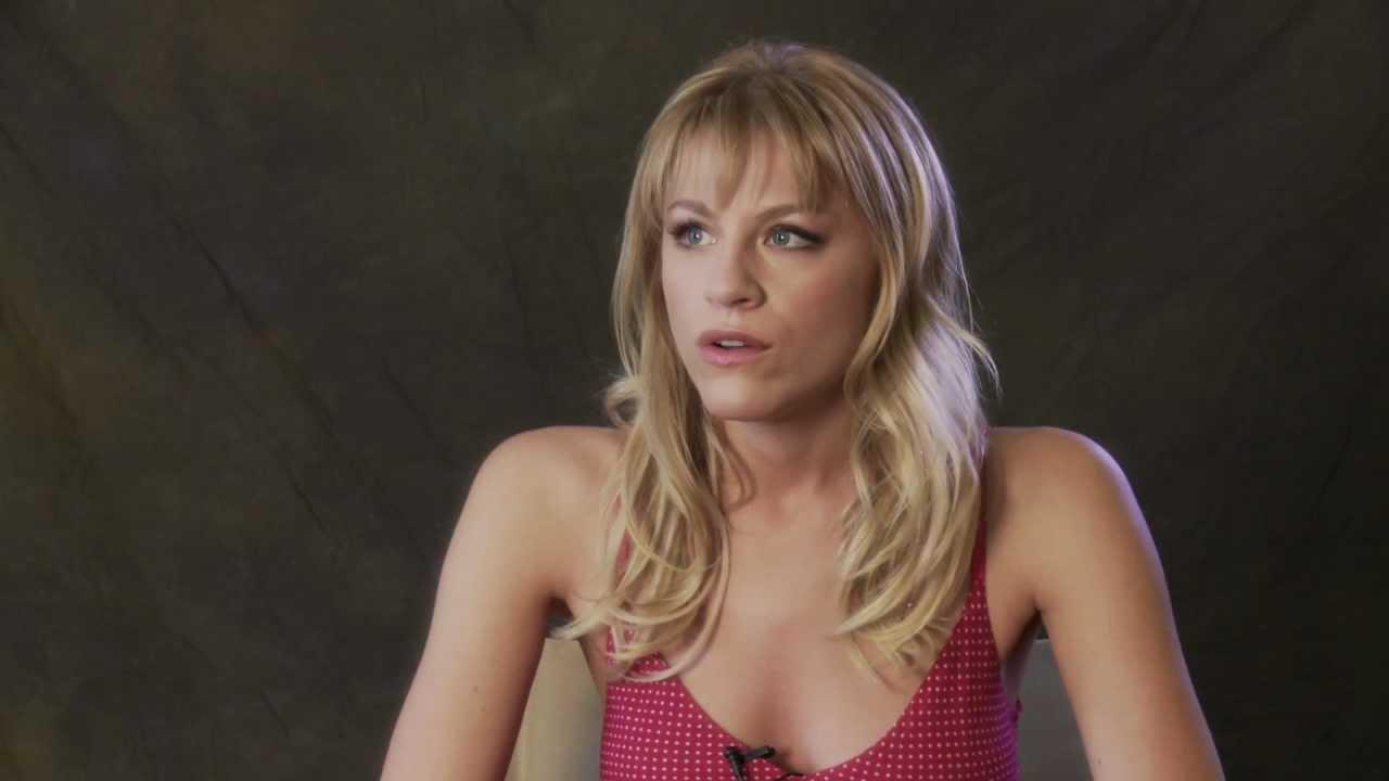 Hot Actress Brit Morgan Debbie Pelt Confesses Love For