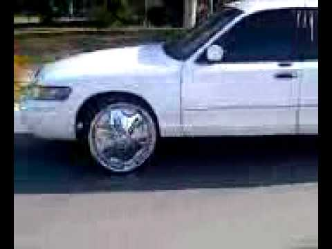 Grand Marquis on 24 inch dubs
