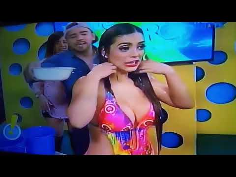 Sandy Méndez se baña en vivo] Rafa y Víctor aprovechados calenturientos los todas mías jajaj .l.😂