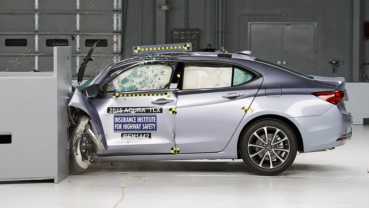 2015 Acura TLX small overlap IIHS crash test - YouTube
