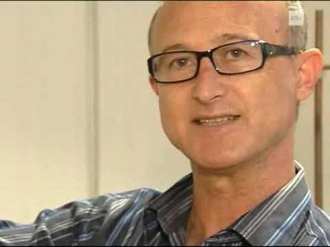 05-03-2010. SERIE: Ciencia en Acción XXXII. La estructura hiperboloide en Gaudí.