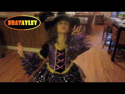 Sneak a Peek at Hayley's Halloween Costume (WK 198.6) | Bratayley