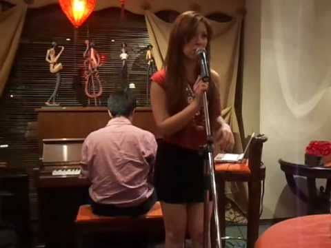 Nicole Arzberger - Back to black (Amy Winehouse cover - piano version)