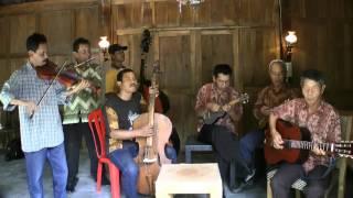 """Download Lagu Kroncong Setiakawan in Yogya 2 - """"Bengawan Solo"""" + """"Jali Jali"""" Gratis STAFABAND"""