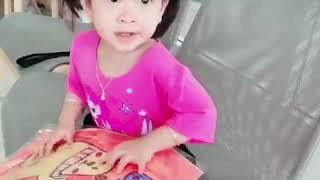 Misu đi học ké Chị Misa