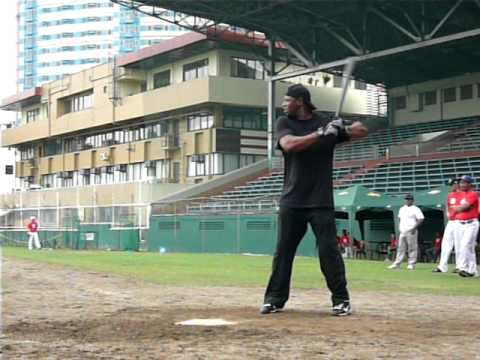Ken Griffey, Jr. batting practice in Manila