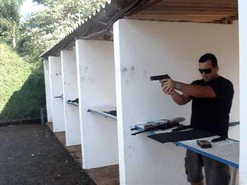 descarregando uma pistola .45 Video