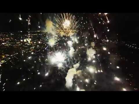 Mira como se ve un espectáculo de fuegos artificiales desde un dron