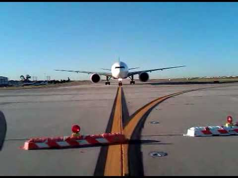 FedEx Boeing 777 Taxiway Memphis Tennessee Hub