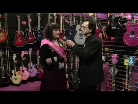 Что подарить девушке на 8 марта? Гитару Daisy rock конечно.