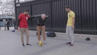 yok boyle birşey bakmadan geçme Yaşlı Amca Futbol Oynuyor