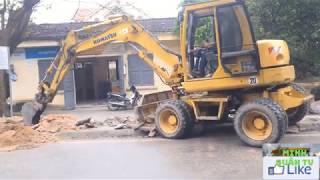 Baby Watching wheel loaders, digging trenches, children's music (Excavators)
