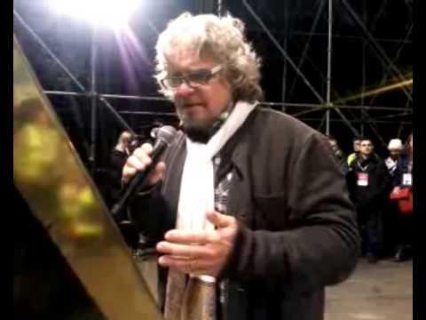 Discorso di Beppe Grillo a Roma 'Parole Guerriere'