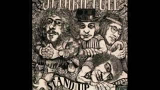 Watch Jethro Tull Rocks On The Road video