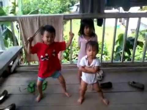 Yana Fatanah-gangnam style new version....