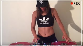Download Lagu DJ Lady Style - It's getting hot in here Gratis STAFABAND