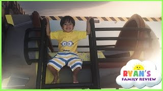 Minion Hotel Room tour at Universal Studio and gift shopping! Family Fun Trip with Ryan
