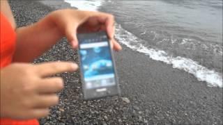 Погружение в воду Android-смартфона Panasonic Eluga DL1